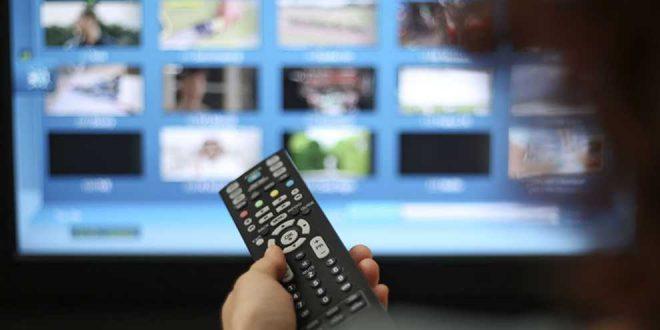 La télévision ou le miroir déformant continue